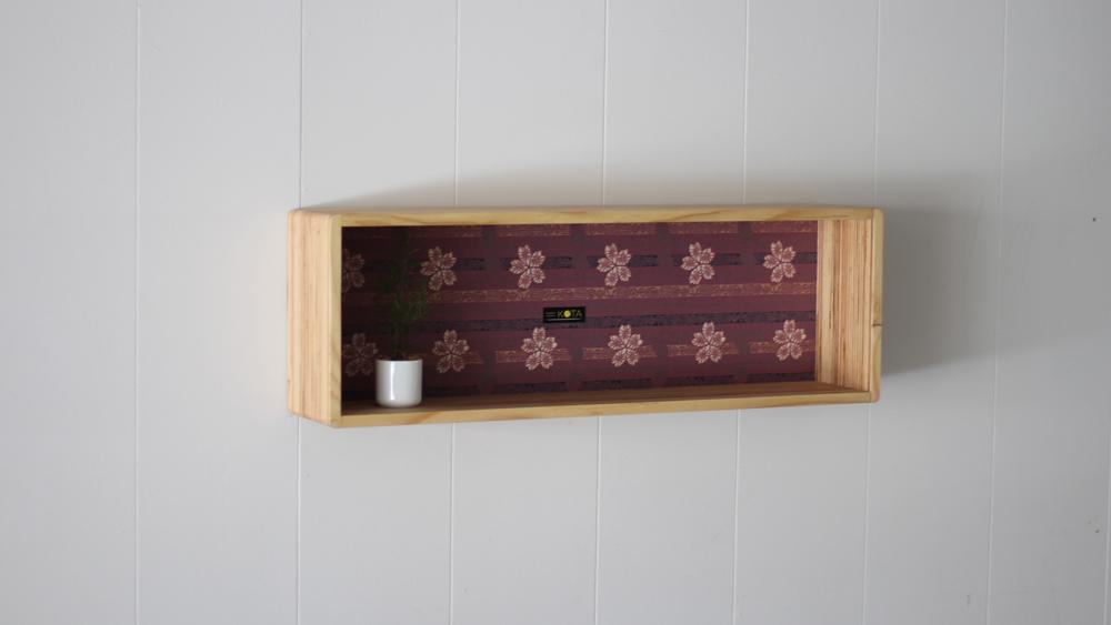 和柄箱型飾り棚(和柄エンジ )