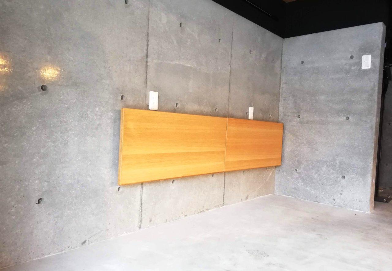 折り畳みができる車庫の棚です。