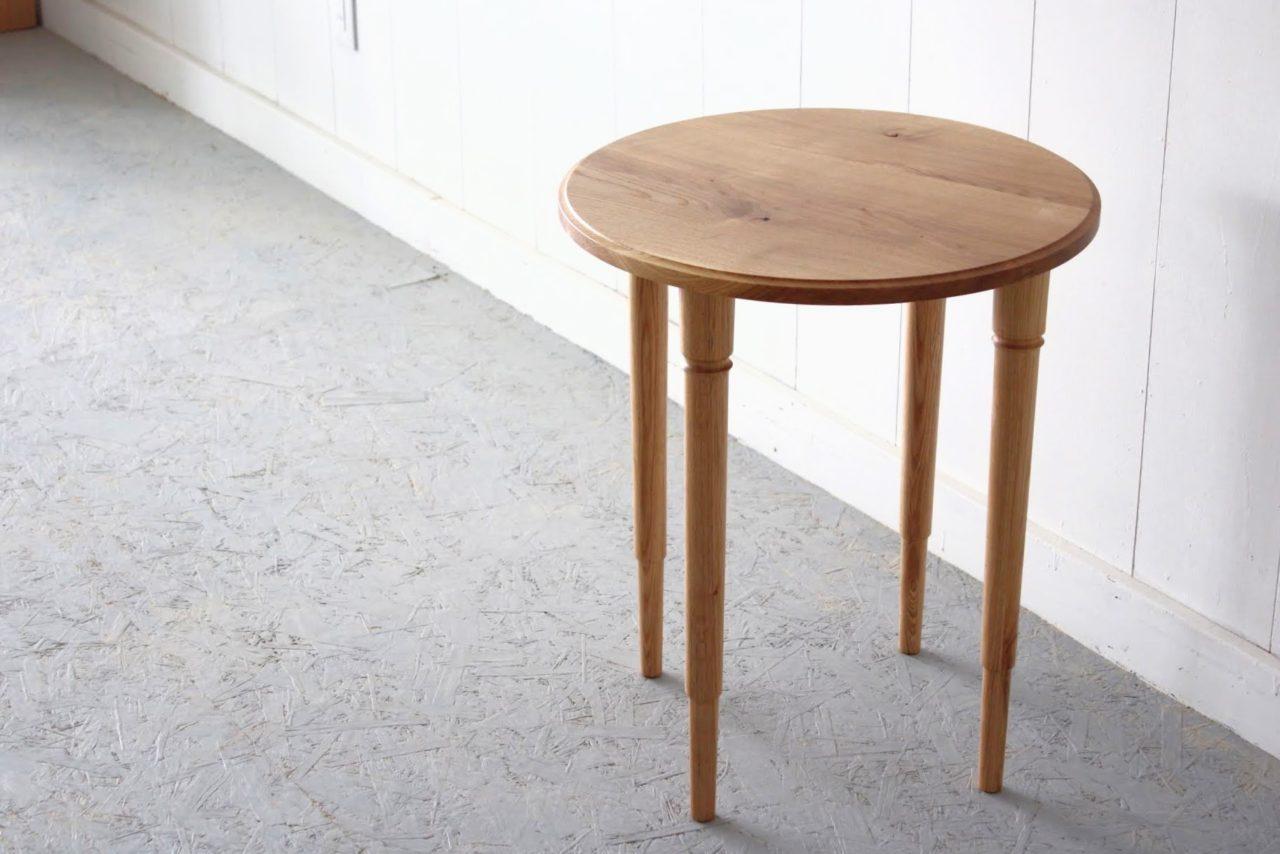オーダー頂きましたサイドテーブル(ラウンド)です。  小ぶりですが使いやすいサイズ感です